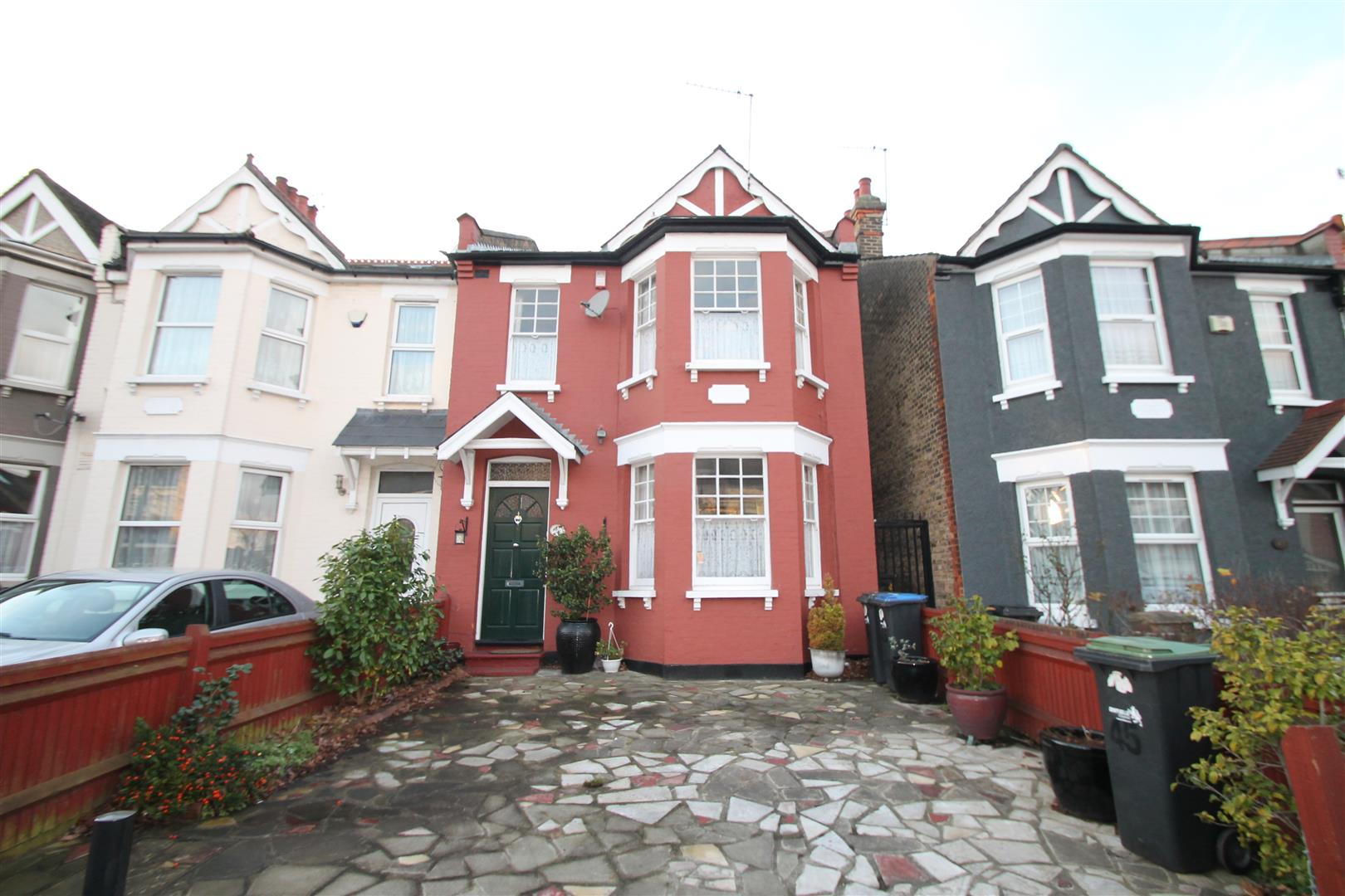 3 Bedrooms End Of Terrace House for sale in Hoppers Road, Winchmore Hill,